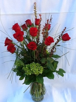 EVERYDAY ROSE ARRANGEMENT in Houston TX, Village Greenery & Flowers