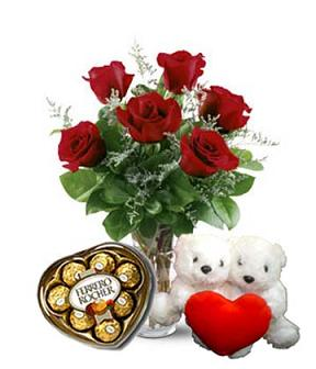 MELT HER HEART PACKAGE 1 in Vienna VA, Vienna Florist & Gifts