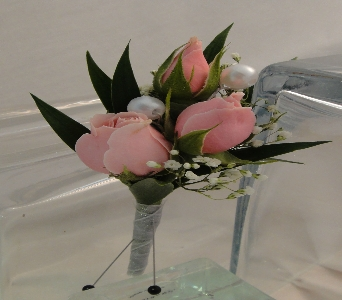 Light Pink Spray Roses with Pearl Accents in Greenville SC, Expressions Unlimited