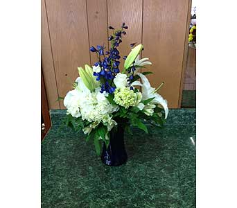 Fresh Vase Design 03 in Dorchester MA, Lopez The Florist