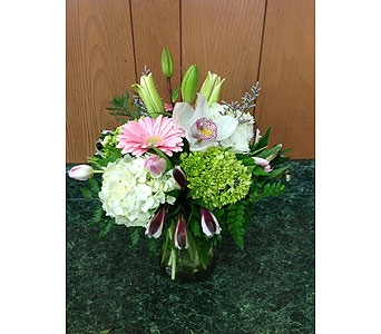 Fresh Vase Design 10 in Dorchester MA, Lopez The Florist
