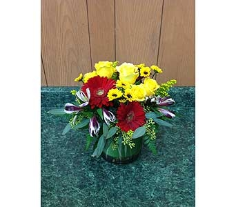 Fresh Vase Design 15 in Dorchester MA, Lopez The Florist