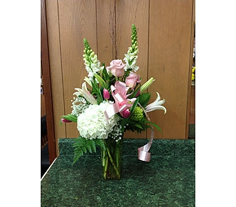 Fresh Vase Design 17 in Dorchester MA, Lopez The Florist