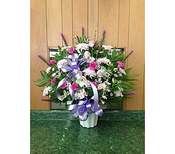 Tribute Basket 18 in Dorchester MA, Lopez The Florist