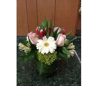 Fresh Vase Design 31 in Dorchester MA, Lopez The Florist