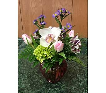 Fresh Vase Design 33 in Dorchester MA, Lopez The Florist
