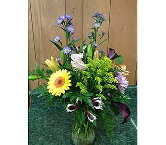 Fresh Vase Design 35 in Dorchester MA, Lopez The Florist