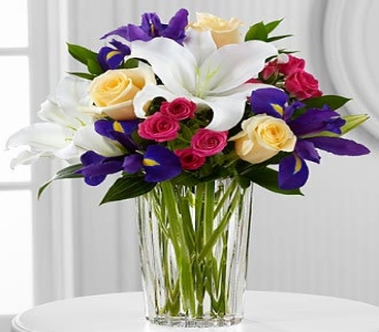 New Days Dawn By Vera Wang in Kingsport TN, Holston Florist Shop Inc.