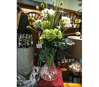 Exquisite Vase in New Castle PA, Butz Flowers & Gifts