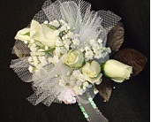 Traditional Wristlet in Tuscaloosa AL, Stephanie's Flowers, Inc.