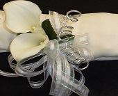 Calla Wristlet in Tuscaloosa AL, Stephanie's Flowers, Inc.