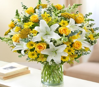 Ultimate Elegance - Yellow and White in El Cajon CA, Conroy's Flowers