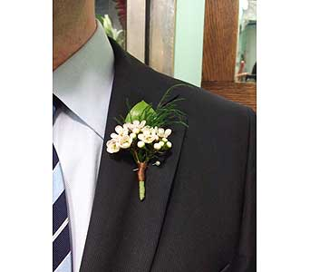 White Field Flower Boutonniere in West Los Angeles CA, Westwood Flower Garden