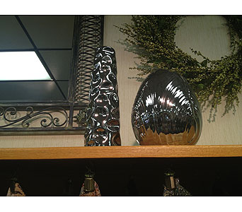 Dazzling Vases in New Castle PA, Butz Flowers & Gifts