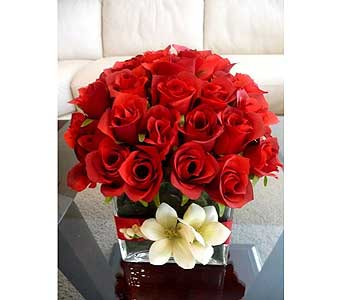 Red Roses in Cube in San Antonio TX, Allen's Flowers & Gifts