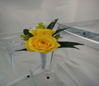 Yellow Rose Boutonniere in Greenville SC, Expressions Unlimited