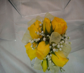 Yellow Spray Roses in Greenville SC, Expressions Unlimited