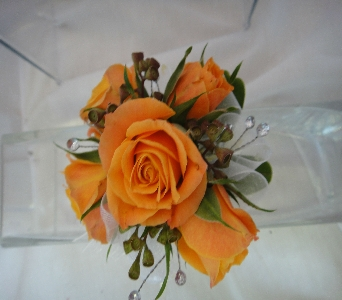 Orange Spray Roses in Greenville SC, Expressions Unlimited