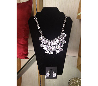 Necklace Set in New Castle PA, Butz Flowers & Gifts