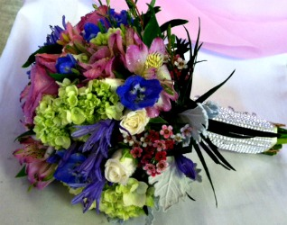 Pastel Color Hand-Tied Bouquet  in Lemont IL, Always with Flowers