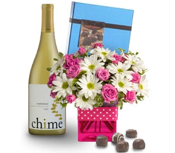 Triple Treat from Nature Nook� in Cleves OH, Nature Nook Florist & Wine Shop