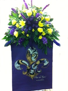 Fleur De Tigre' Tapestry Spray in Lake Charles LA, A Daisy A Day Flowers & Gifts, Inc.