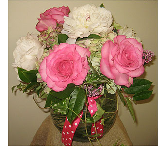 Loving Thoughts of Mom in Massapequa Park NY, Bayview Florist & Montage  1-800-800-7304