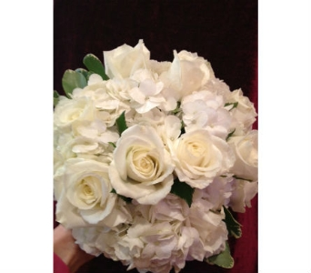 Wedd in Loudonville OH, Four Seasons Flowers & Gifts