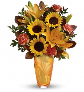 Teleflora's Golden Grace Bouquet in Tyler TX, Country Florist & Gifts