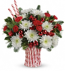 Teleflora's Sweet Holiday Wishes Bouquet in Johnson City TN, Roddy's Flowers
