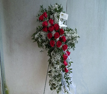 Cross With Red Roses in Attalla AL, Ferguson Florist, Inc.