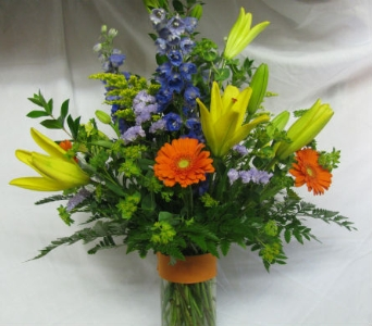 Fresh Arrangement  in Creedmoor NC, Gil-Man Florist Inc.