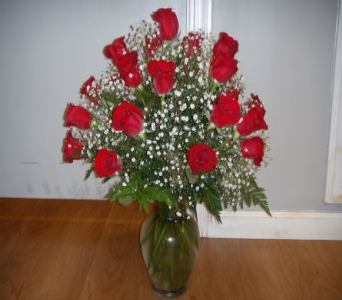 2 dozen long stem rose arrangement in Mililani Town HI, Mililani Town Florist