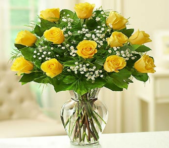 One Dozen Yellow Roses in Manhattan KS, Westloop Floral