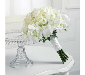 White Wedding 3 in Albuquerque NM, Silver Springs Floral & Gift