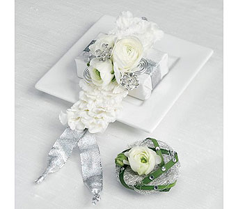 White Wedding 27 in Albuquerque NM, Silver Springs Floral & Gift