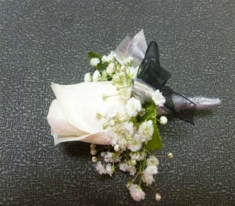 Boutonniere 3 in Frankfort IL, The Flower Cottage