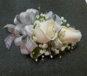 Wrist Corsage 5 in Frankfort IL, The Flower Cottage