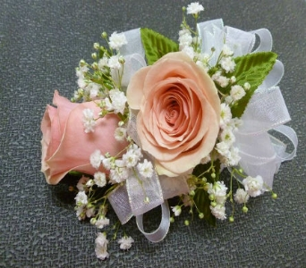 Wrist Corsage 8 in Frankfort IL, The Flower Cottage