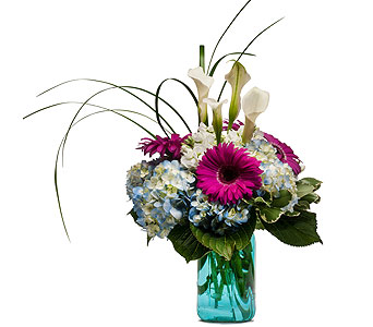 Welcome Home in Amherst NY, The Trillium's Courtyard Florist
