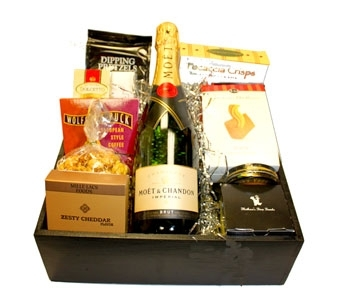 Topper's Moet Champagne Gift Tray in Seattle WA, Topper's European Floral Design
