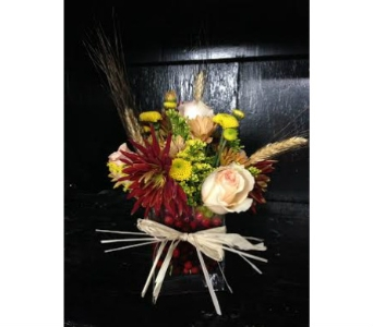 Cranberry Delight Bouquet in Hartford CT, House of Flora Flower Market, LLC