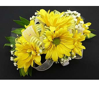 6 Yellow Daisy Corsage in Mesa AZ, Watson Flower Shops