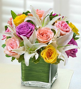 Modern Lily & Rose Bouquet - Pastel in Lemont IL, Royal Petals