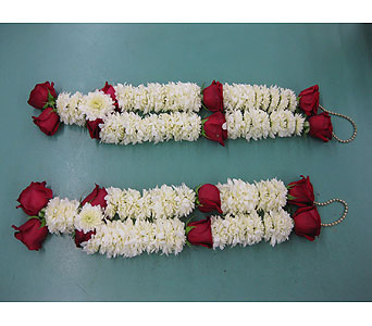 Pom Pom & Rose Wedding Lei in Rowland Heights CA, Charming Flowers