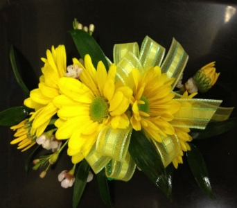 Prom Corsage-Yellow Daisies-Deluxe in Newton NC, Newton Florist