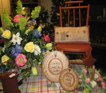 Our Shop in Oakland City IN, Sue's Flowers & Gifts