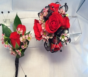 Red Rose Corsage and Boutonni�re Set in Greenville SC, Expressions Unlimited