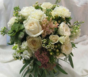 Cream Wedding flowers in Kennewick WA, Heritage Home Accents & Floral