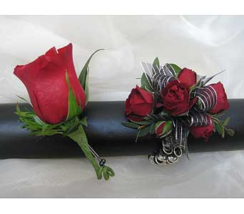 Red Rose Set in Brooklin ON, Brooklin Floral & Garden Shoppe Inc.